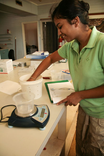 Nilu Somaweera weighing toads.